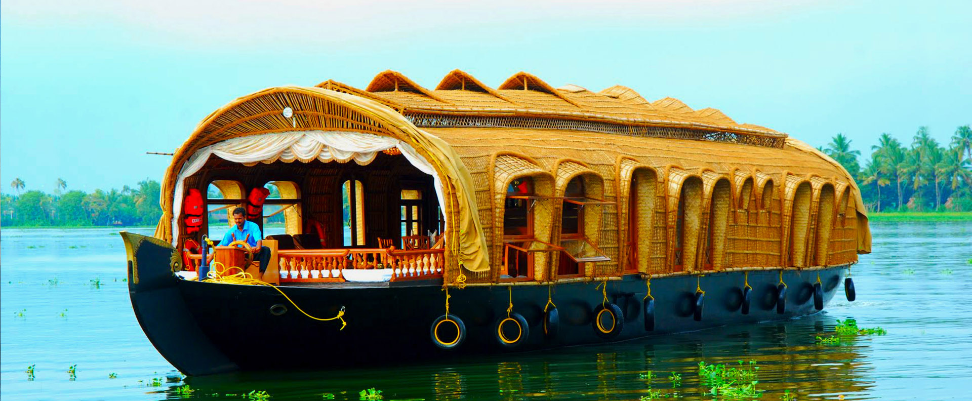 Kerala Honeymoon Packages, Munnar Tour Packages, Alleppey Tour Packages